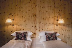 Peep-Show und Zirbelholz: <br>Hotel Bussi Baby Bad Wiessee</br>