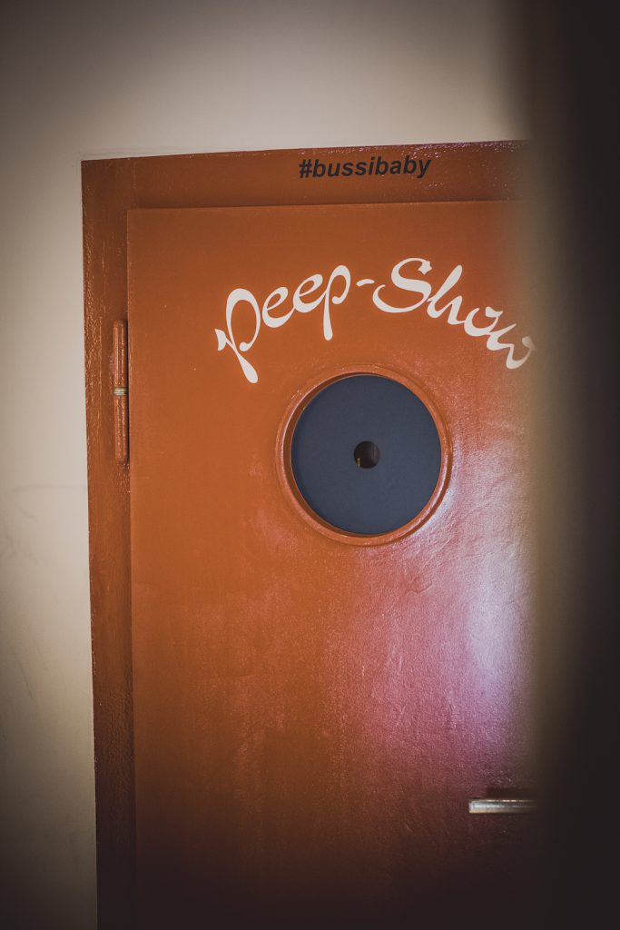 Peep-Show Hotel Bussi Baby Tegernsee