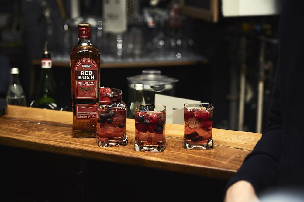 Autumn Red Rose Lemonade_bushmills whiskey