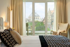 Advent, Advent: The Charles Hotel München