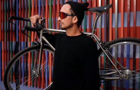 Titan Bike von Standard Project