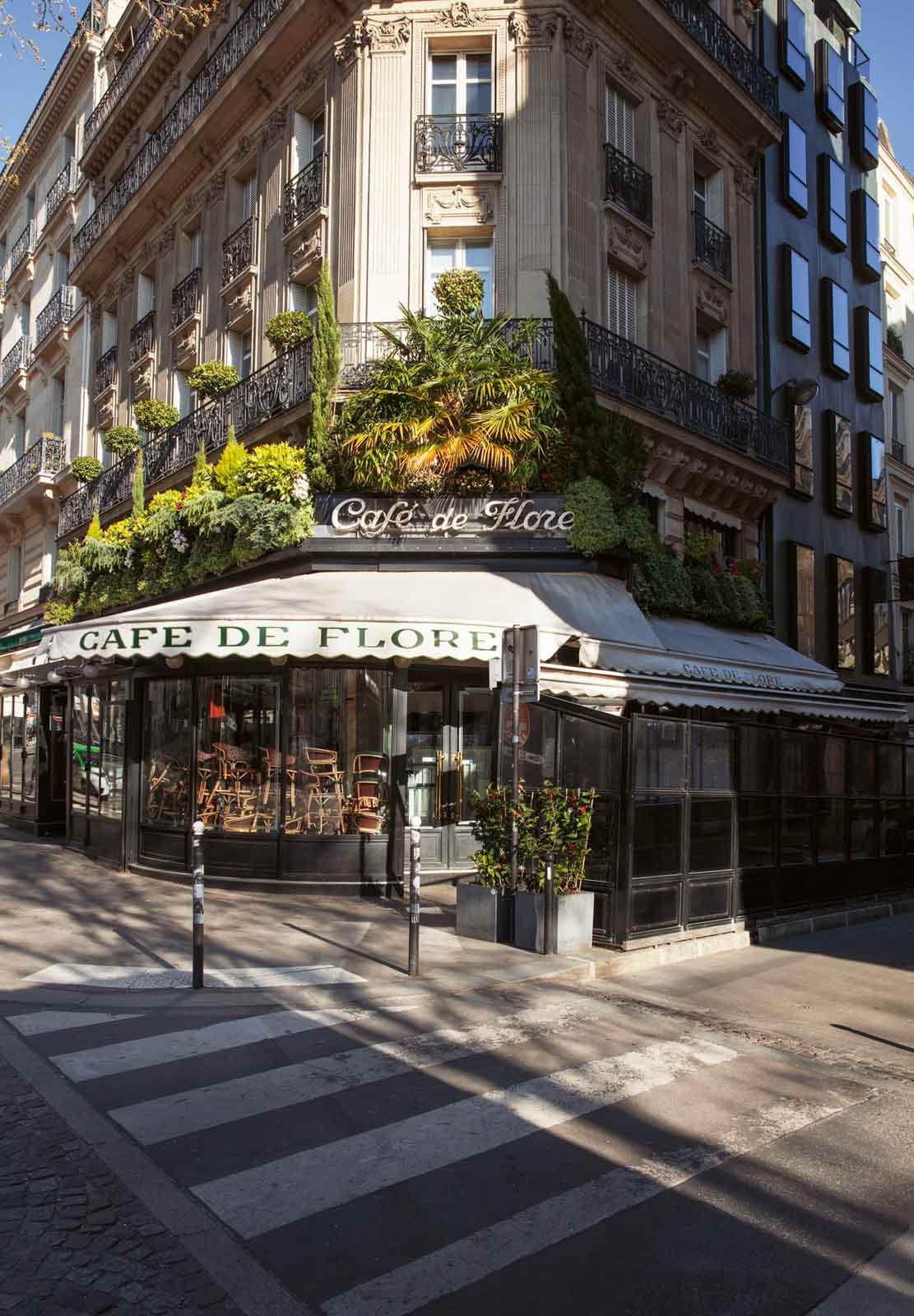 TeNeues Stille_Staedte_Cafe Flore