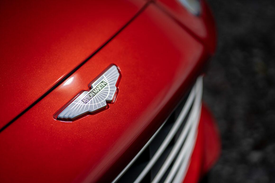 Aston_Martin_DBX_Hyper_Red_Logo