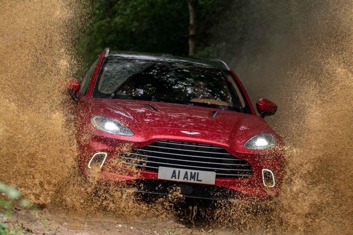 Aston_Martin_DBX