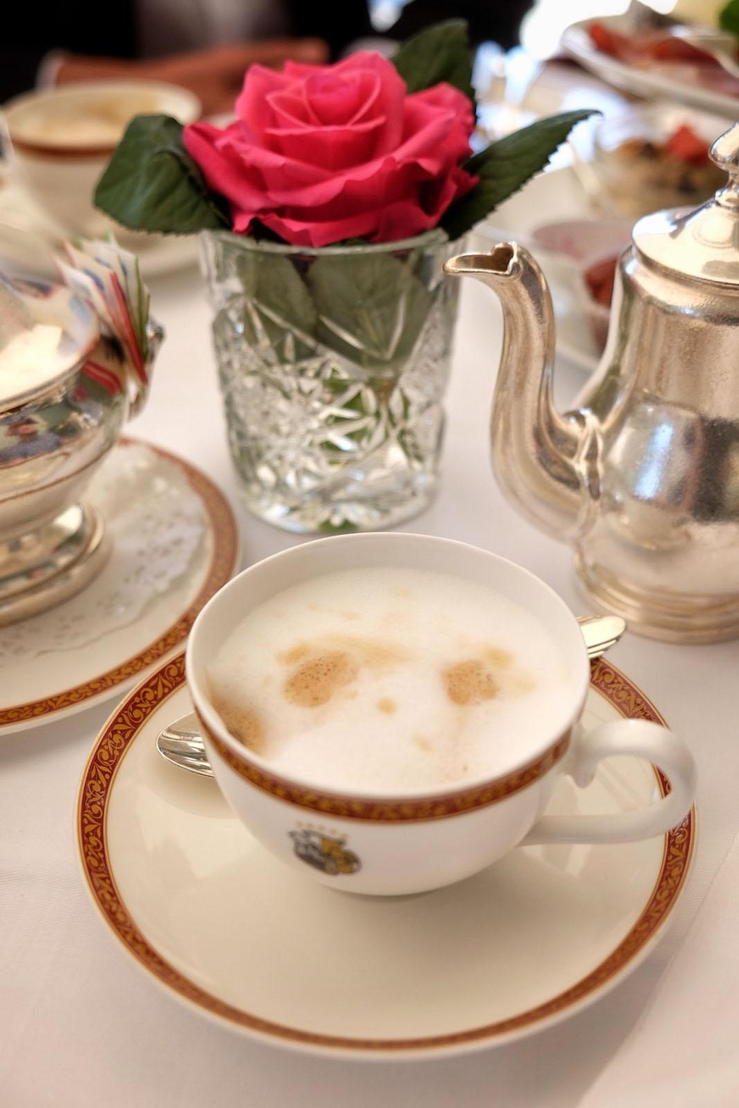 Kaffee Schloss Moenchstein