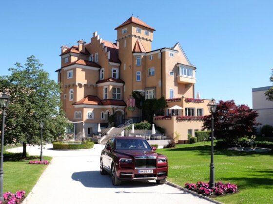 Hotel Schloss Moenchstein
